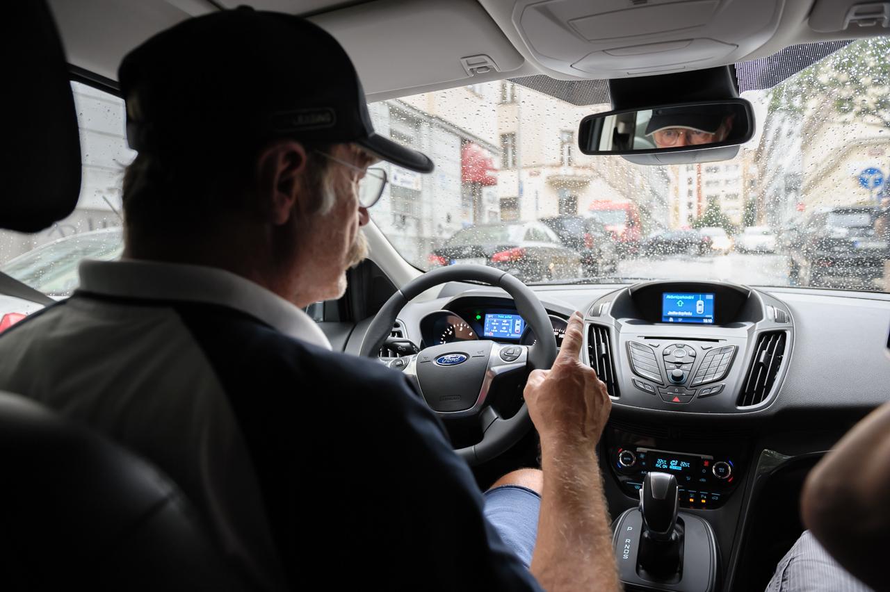 Pavel Nový za volantem a v silném dešti
