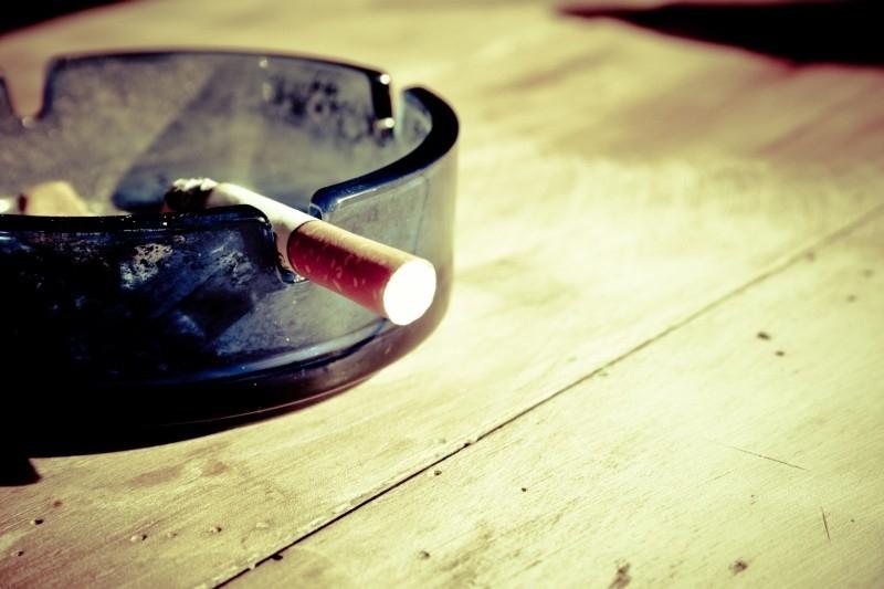 servírka kouření