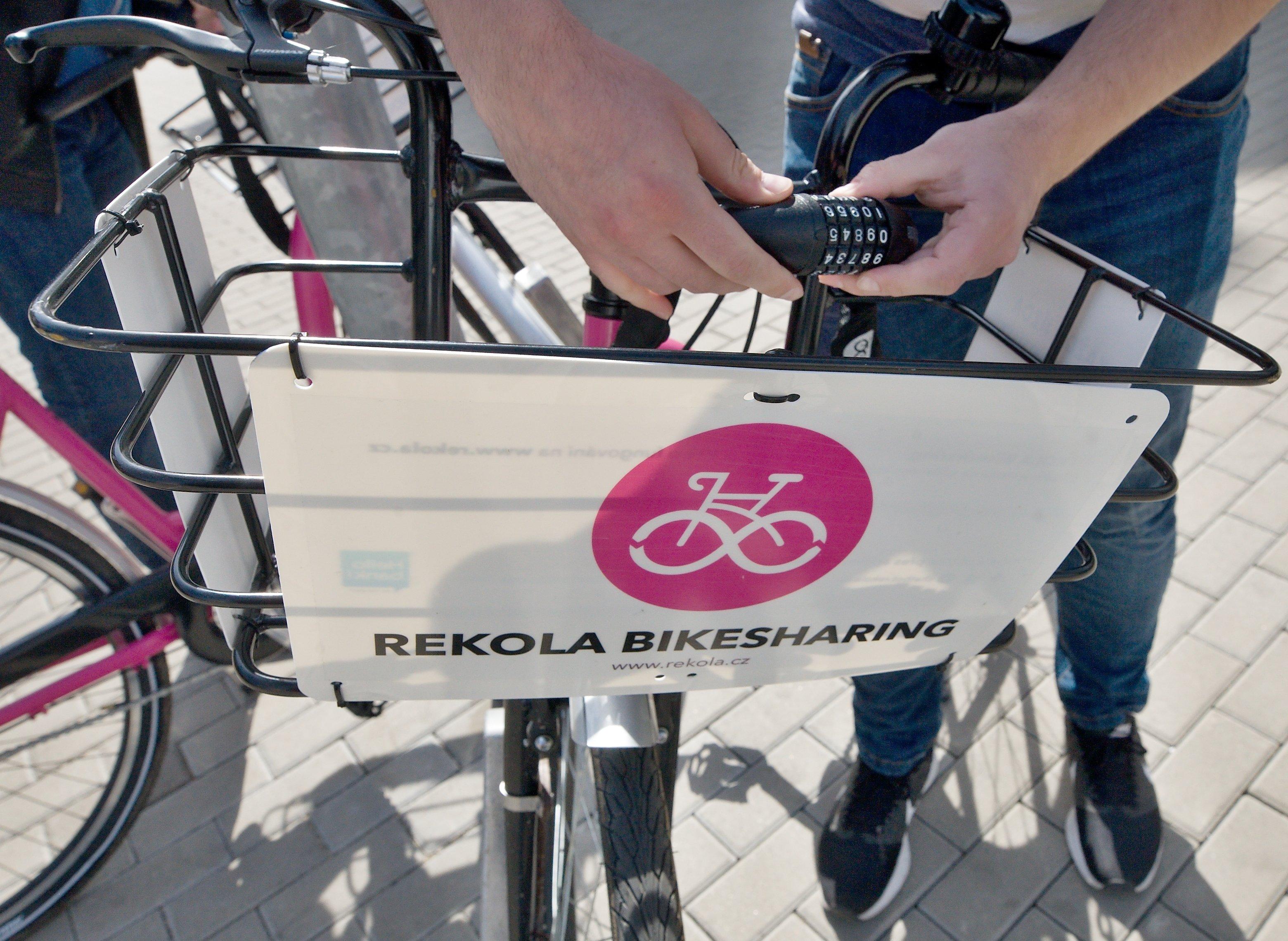Rekola, bikesharing, cyklistika, sdílení kol, zámek