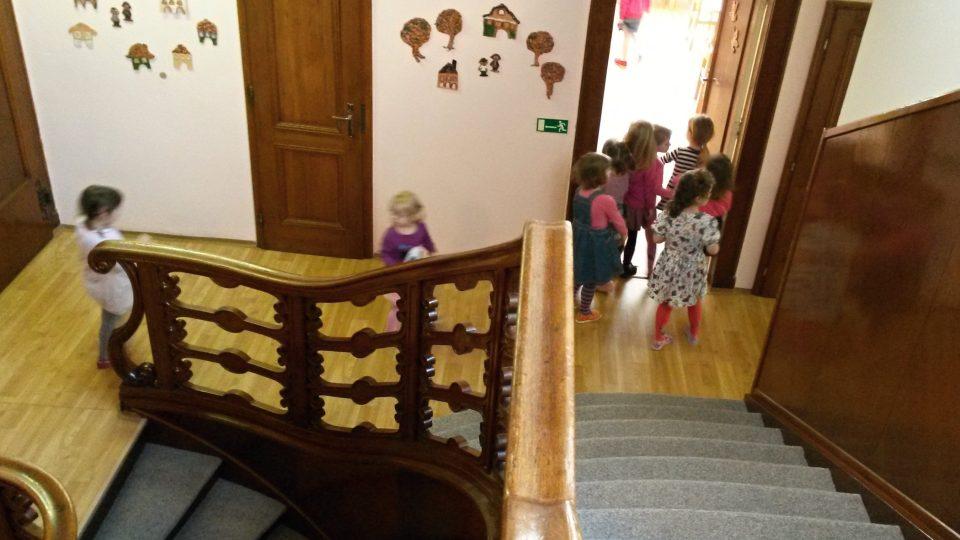 V jedné z Hückelových vil dnes sídlí mateřská škola