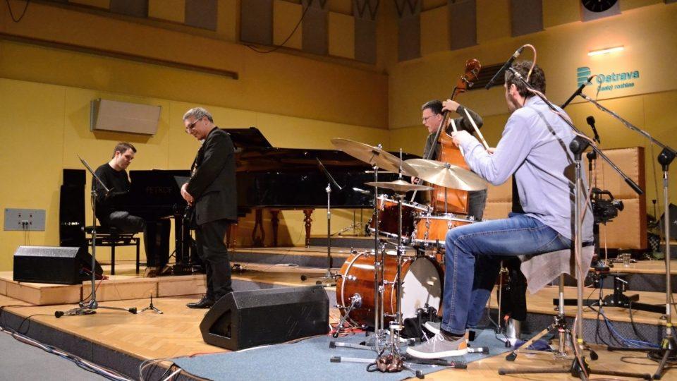 Robert Balzar Trio a Gabriele Mirabassi ve Studiu 1