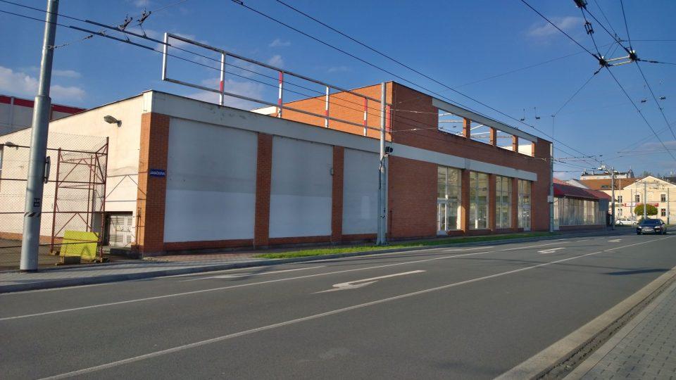 Budova hobbymarketu