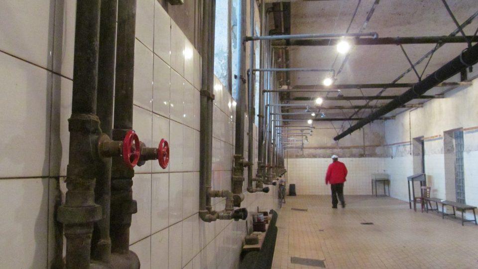 Sprchy horníků,které hrály i ve filmu