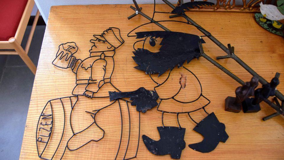 Ozdoby z drátu a plechu vyrobené v Tatře