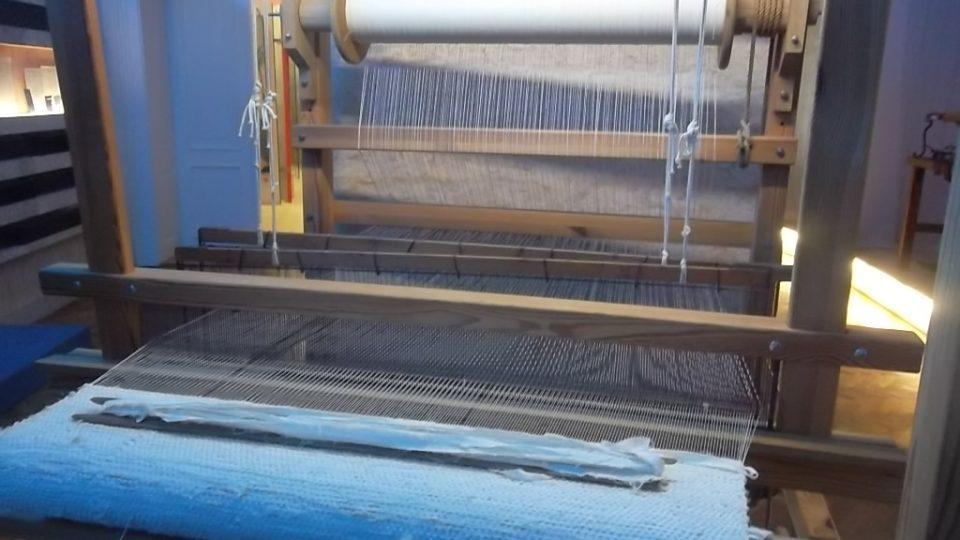 Tradici tkalcovského řemesla na Frenštátsku představuje expozice Člunek zpívá