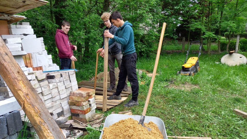 Skauty čeká spousta odpracovaných hodin a devatero řemesel v praxi