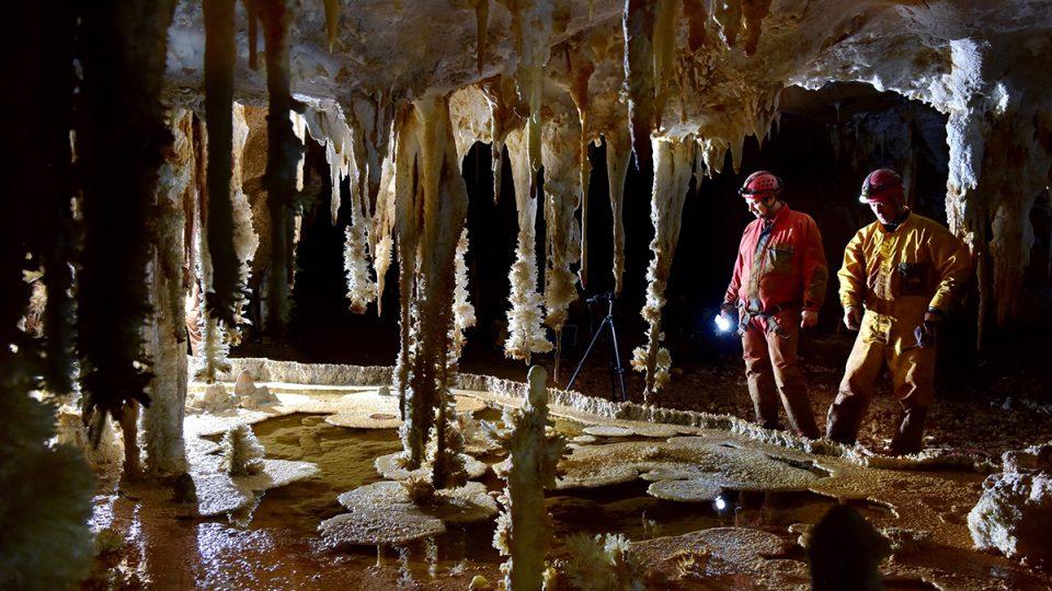 Bohumínští speleologové v krymské jeskyni Emine Bojir Chasar Nižnij