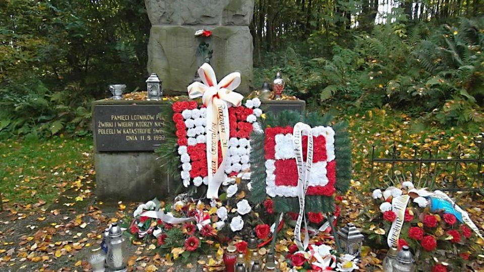 Pomník letců ve slezském Těrlicku