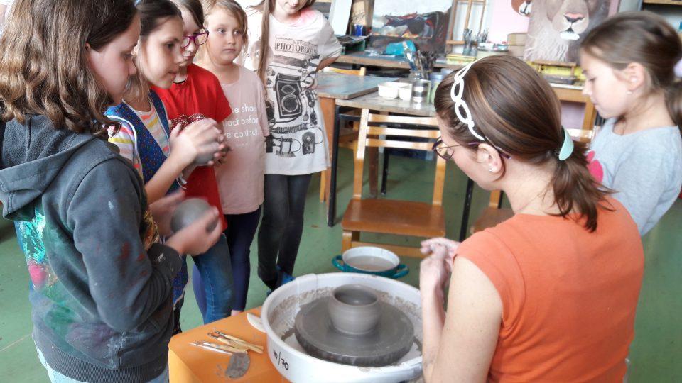 Děti v ZUŠ v Ostravě-Zábřehu