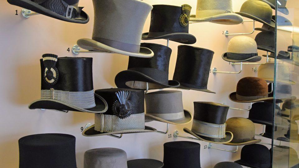 Expozice nejstarších novojičínských klobouků