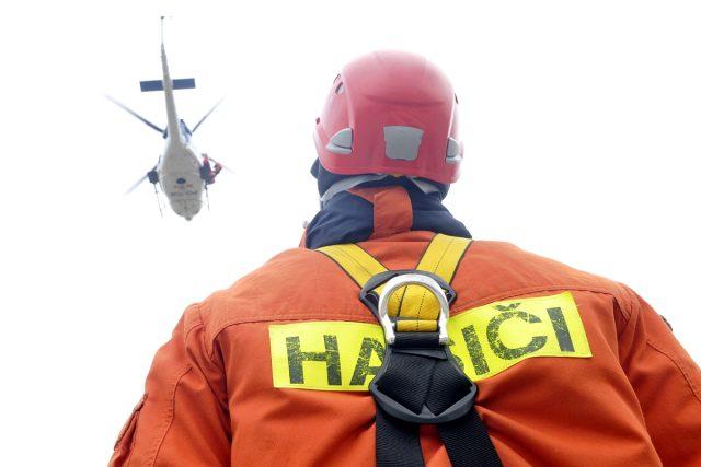 Hasiči, záchranáři nacvičují krizové situace