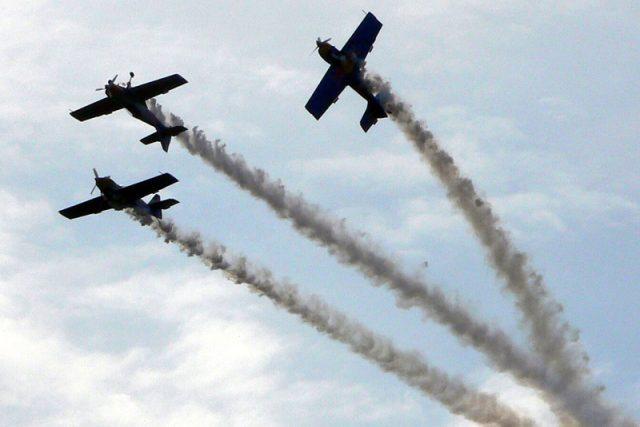 Fanoušci aviatiky o víkendu přijedou do Pardubic | foto: Miroslav Zimmer
