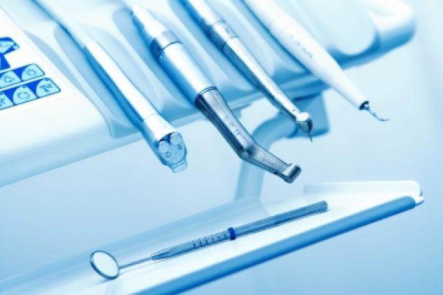 Zubařské nástroje (ilustrační foto)