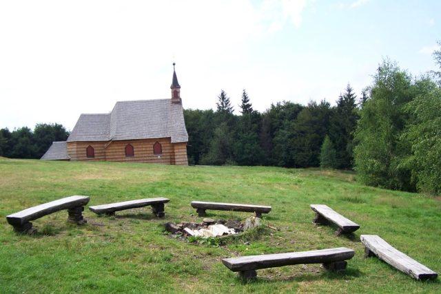 Prašivá je poutním místem - Dřevěný kostelík sv. Antonína tu stojí už od roku 1640