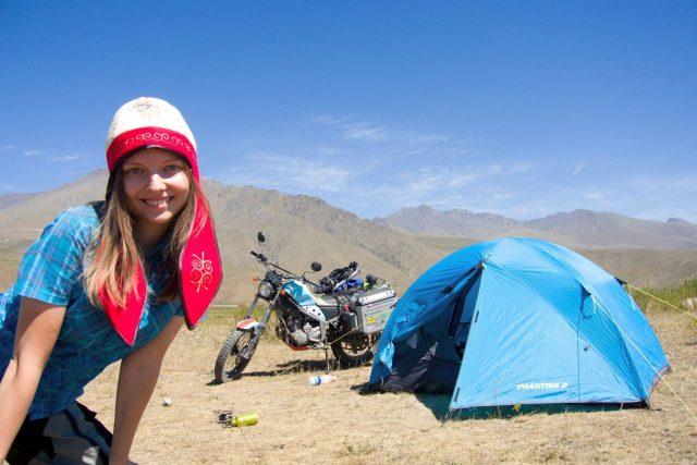 Dominika Gawliczková na cestě do Kyrgyzstánu: Cesta na motorce bez GPS má větší atmosféru