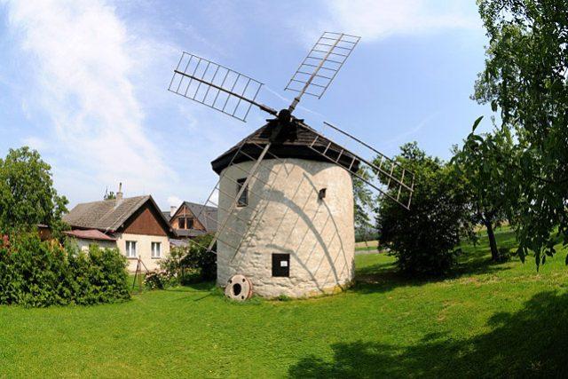 Větrný mlýn ve Štípě na Zlínsku