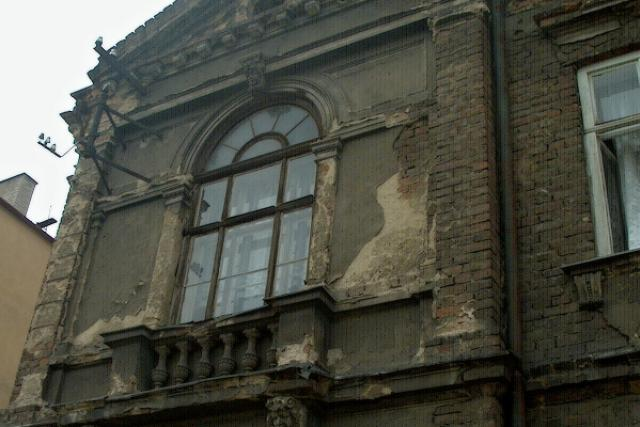 Budova v havarijním stavu (ilustr. foto)