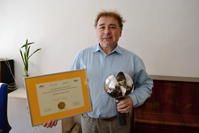 Hudební redaktor Zdeněk Tofel s prestižním oceněním   foto: Daniel Martínek