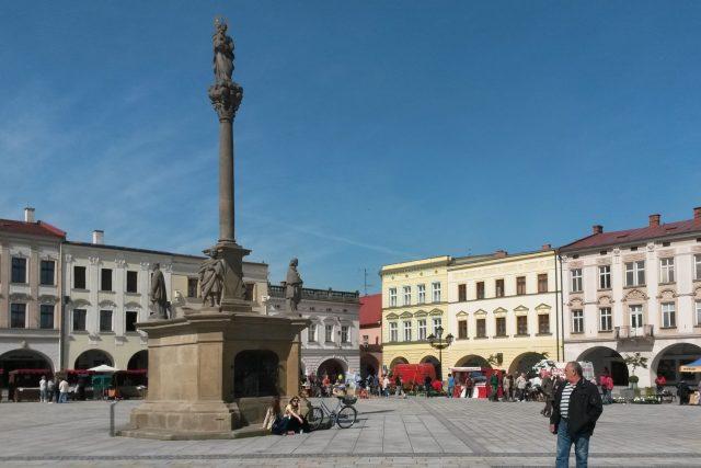 Mariánský morový sloup na Masarykově náměstí v Novém Jičíně   foto: Petra Štrymplová,  Český rozhlas