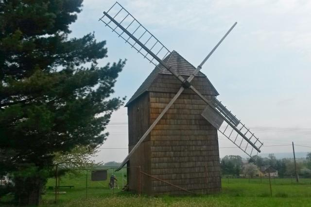 Choltický větrný mlýn