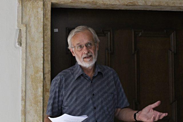 Divadelní historik Jiří Štefanides