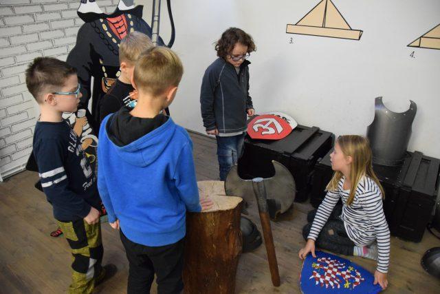 Děti hledají v expozici generála Laudona skryté kódy