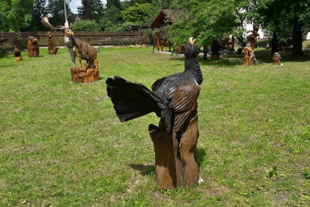 Ráj dřevěných soch v Ostravici