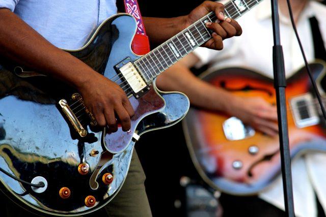 Kytarista (ilustrační foto)