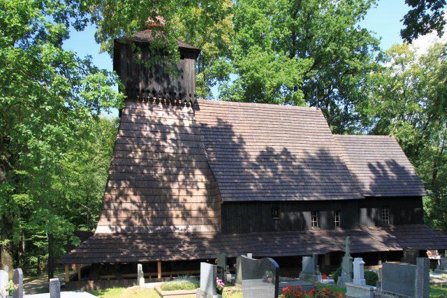 Guty, dřevěný kostel z 16. století