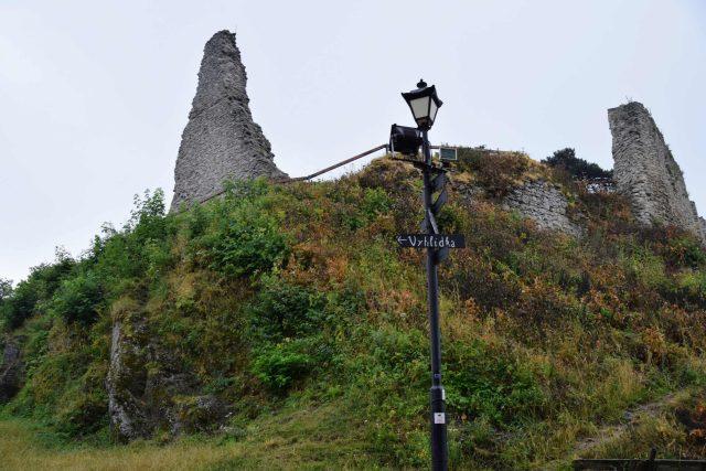 Zřícenina hradu Starý Jičín   foto: Michal Polášek