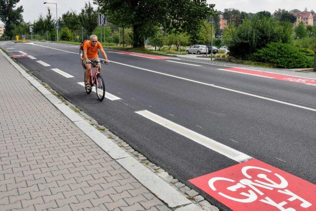 Nové cyklopruhy vznikly podél celé ulice Palackého