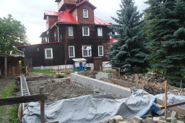 Stavba ekologických toalet na Prašivé