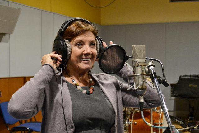 Zpěvačka Marie Rottrová v rozhlasovém Studiu 1