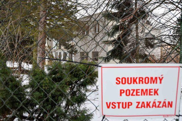 Místo bývalé školky mají stát dva bytové domy s nadstandardními byty