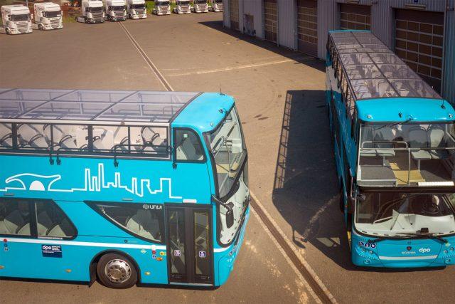 Dva dvoupatrové autobusy nově jezdí ostravskými ulicemi