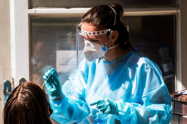 Testování na koronavirus (ilustrační foto)