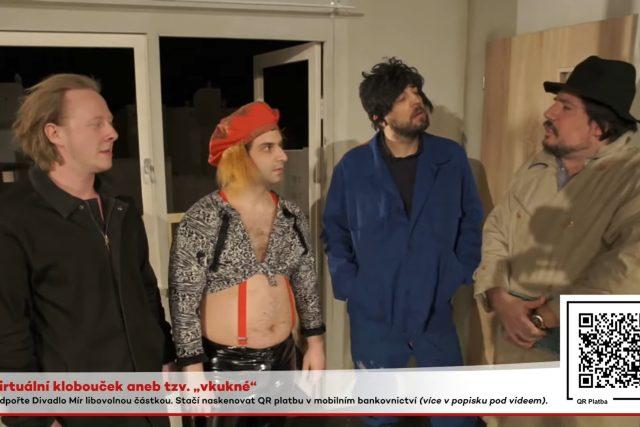 Improvizační show Tři tygři ostravského Divadla Mír v době nouzového stavu