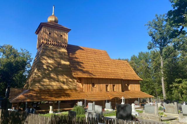 Tesaři dokončili hrubou stavbu kostela v Gutech | foto: Tomáš Pika,  Český rozhlas