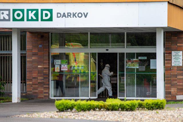Na Dole Darkov na Karvinsku probíhá plošné testování zaměstnanců v souvislosti s nákazou covid-19
