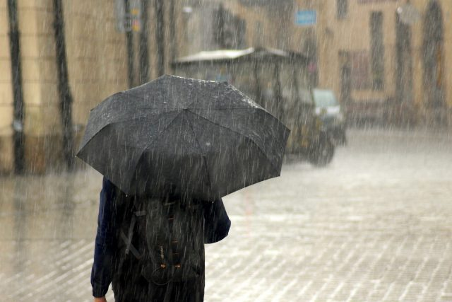 Déšť, deštník