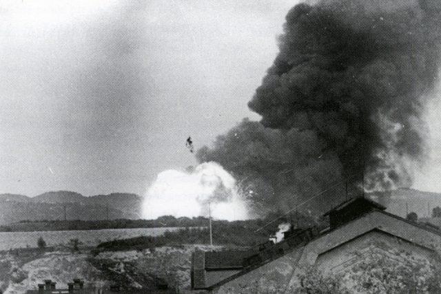 Historický snímek výbuchu. | foto: Muzeum města Ústí nad Labem