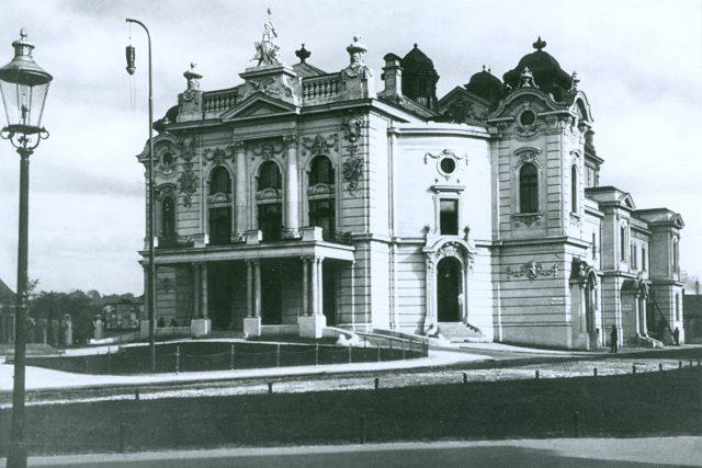 Městské divadlo v 20. letech 20. století