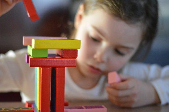 Dítě, hra, školka (ilustrační foto)