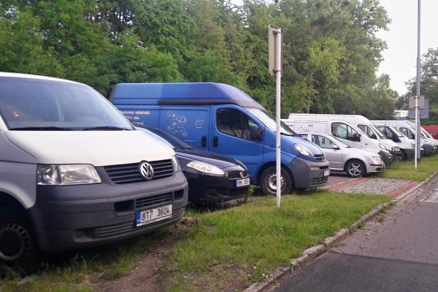 Parkování dodávek na vyhrazených místech funguje od jara v Ostravě-Porubě