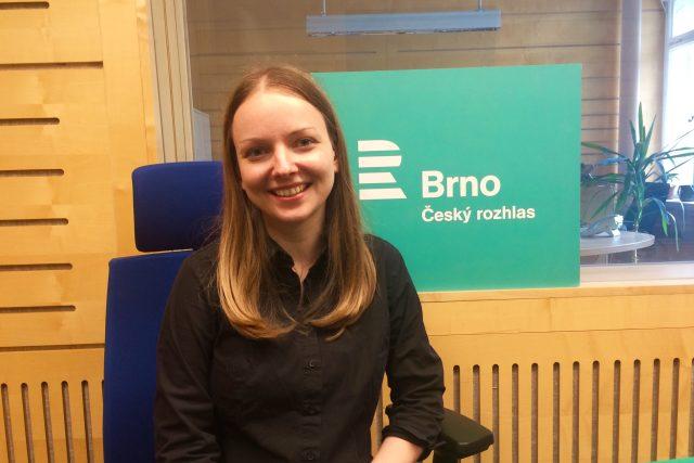 Dominika Gawliczková ve studiu Českého rozhlasu Brno