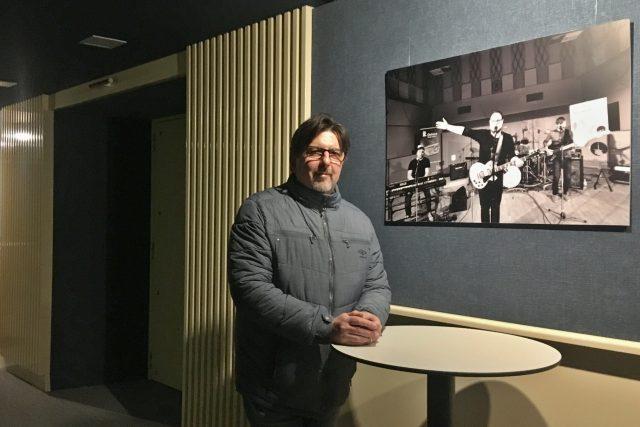 Mario Šeparovič v předsálí Studia 1