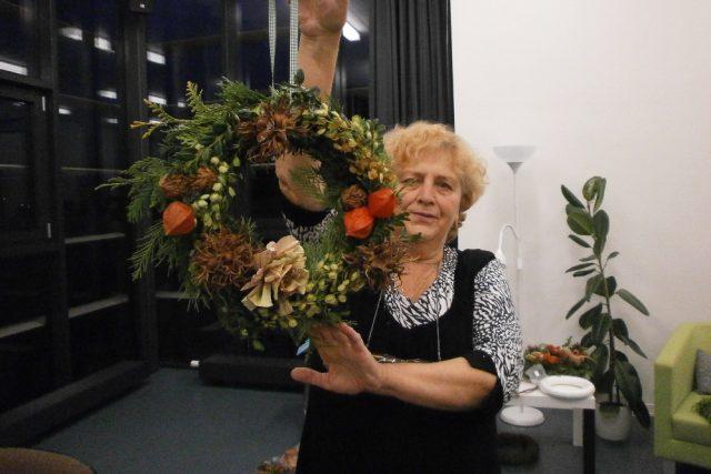 Paní Marie Kavalová vede klub seniorů v Bílovci na Novojičínsku