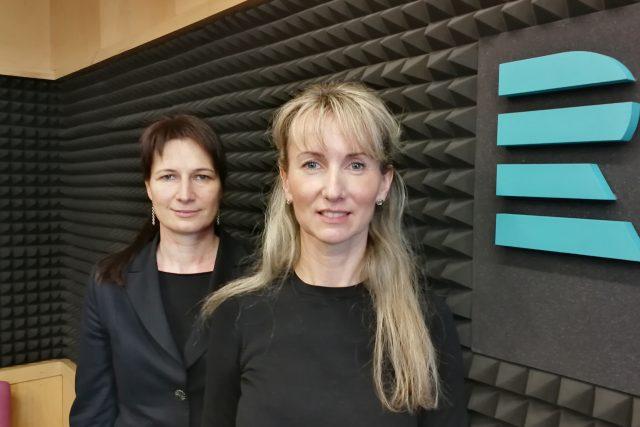 Zdravotní sestry FNO Lenka Krupová a Hana Horelová | foto: Tereza Szotkowská,  Český rozhlas