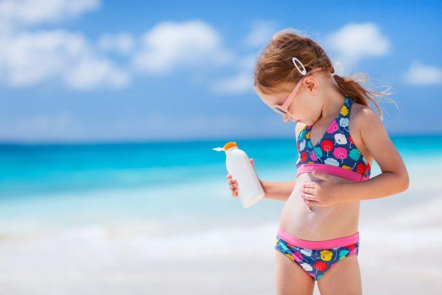 Opalování dětí  (ilustrační foto) | foto: Fotobanka Profimedia