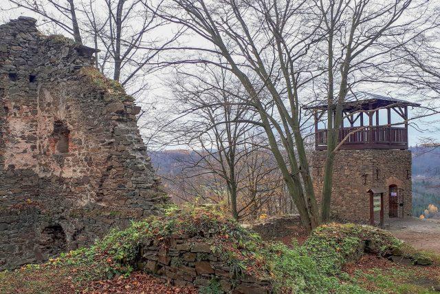Vikštejn láká romantiky v každé době. Vyhlídková věž byla vybudována na přelomu 19. a 20. století